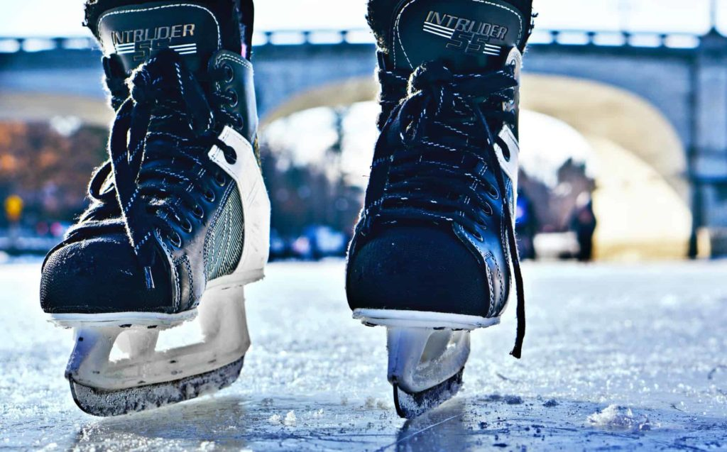 how to lace hockey skates